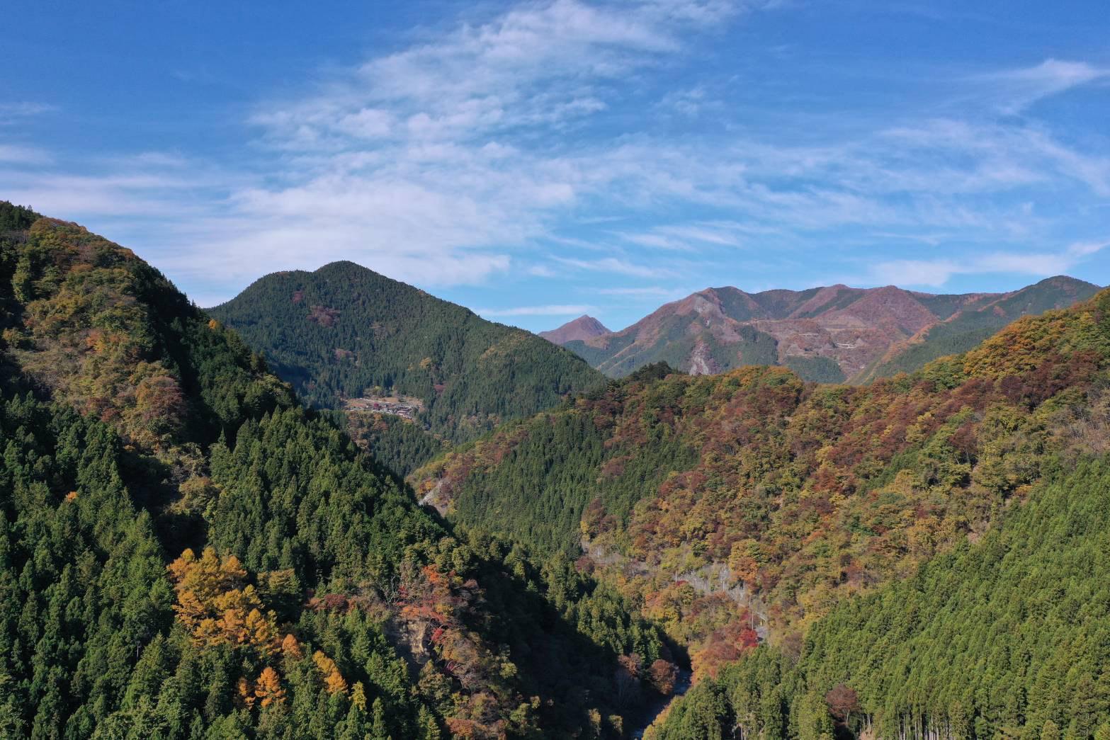 大滝の山並み_秋